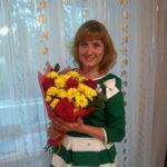 Елена Науменко преподает физкультуру учащимся начальных классов в СОШ № 2
