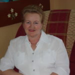 Александра Дмитриевна Борисова - учитель мате- матики и физики в Шошецкой школе.