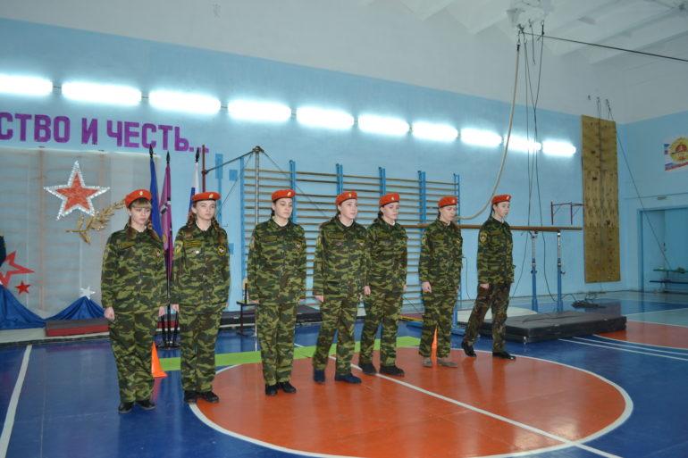 24 января, во второй городской школе имени Алексея Ларионова стартовал месячник оборонно-массовой работы и военно-патриотического воспитания