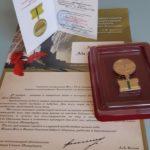 4 февраля А. А. Мицкевич вручи- ли памятный знак за подписью врио губернатора г. Санкт-Пе- тербурга А. Беглова