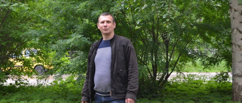 Инспектор ГИБДД капитан полиции Владимир Ращектаев