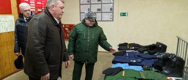 СЕРГЕЙ Гапликов напутствовал призывников из Коми, готовящихся к отправке на военную службу.